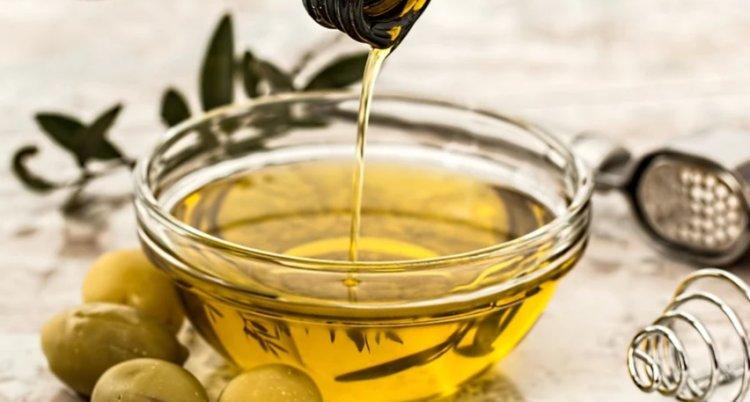 Sardegna, allarme sull'olio spacciato per sardo