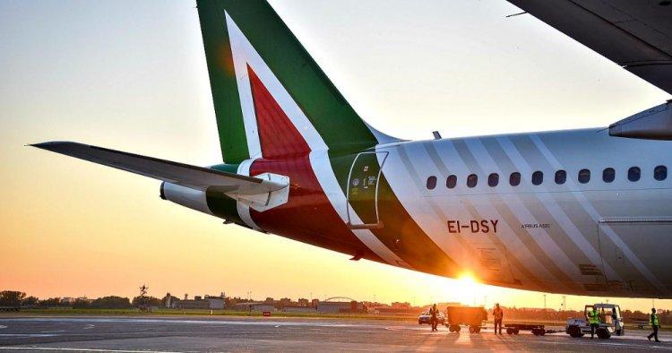 Alitalia: Codici chiede chiarezza sui voucher