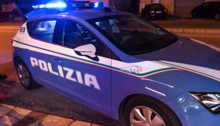 """Napoli, Fsp Polizia: """"E' ora di dire basta"""", poliziotto accoltellato"""
