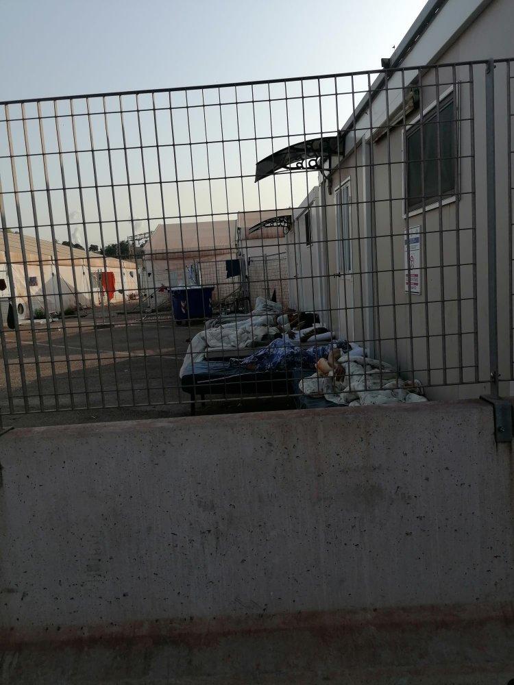 Taranto, tra i 26 positivi nell'hotspot anche un caso di variante Delta