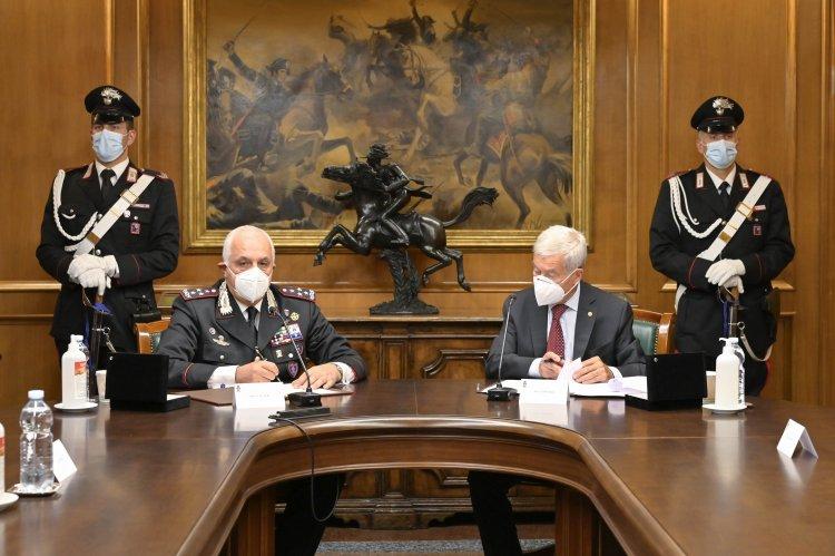 Generale  Teo Luzi, e il Presidente Confcommercio, intesa