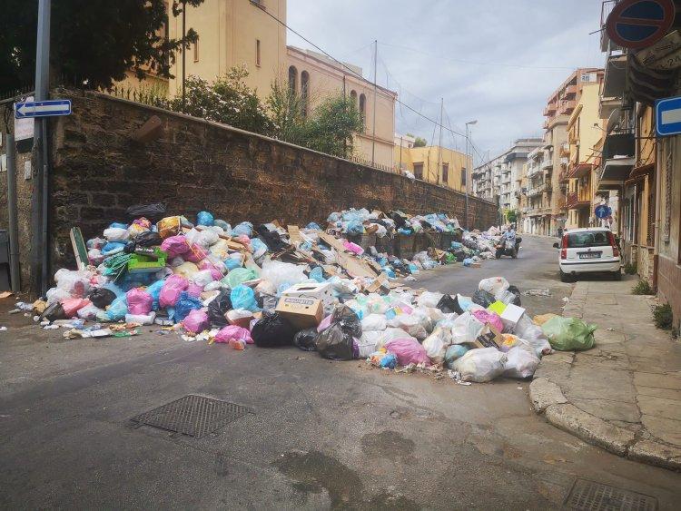 Gelarda-Luparello :Caos spazzatura.A Villagrazia residenti bloccano la strada