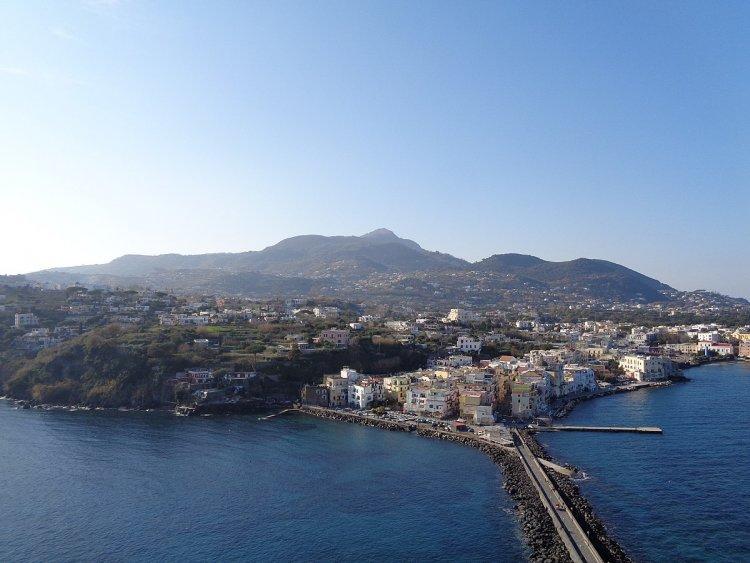 Procida e Ischia: SalviAMONettuno, iniziativa di tutela dell'ambiente