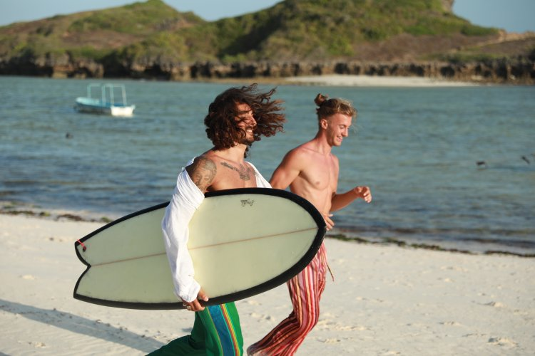 Disponibile la nuova collezione del brand di lifestyle PALM ISLAND